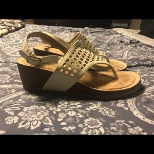 Women's Size 9 White Mountain Wedge Sandals